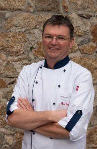 Mitarbeitermangel in der Gastronomie Küche