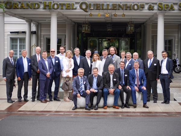 Branchentreffen Hotellerie Schweiz Gruppenbild Bad Ragaz