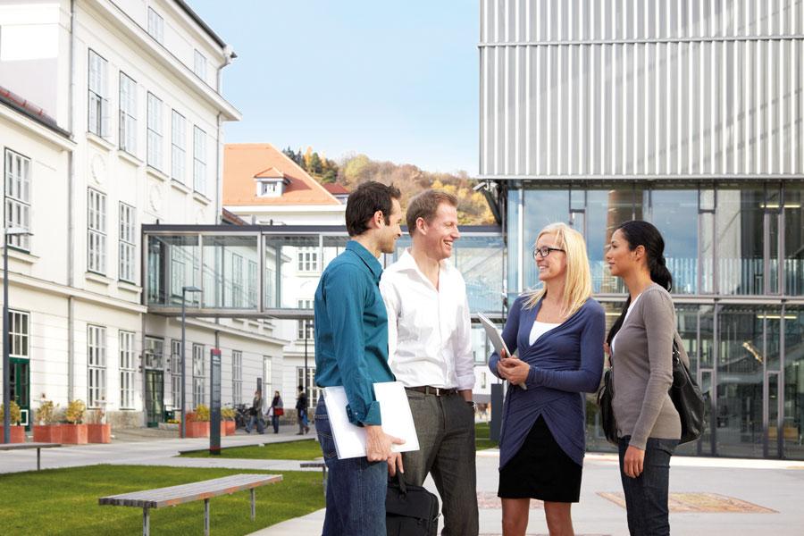 Tourismus Weiterbildung in Österreich DUK Studenten