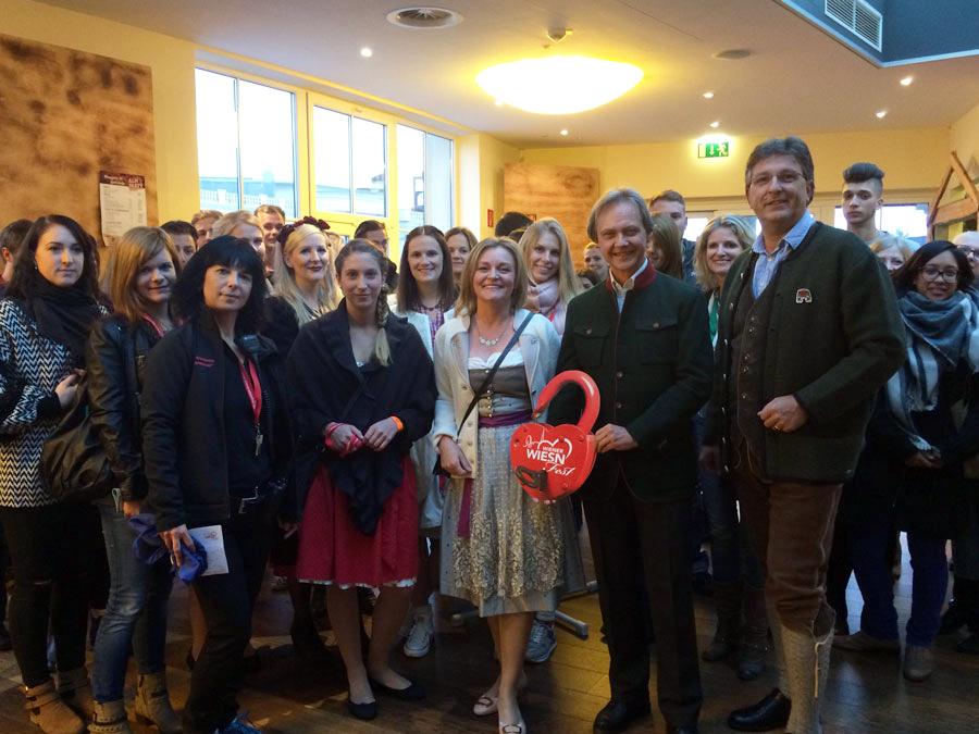 Tourismuslehrgang auf der Wiener Wiesn WU Wiener Wiesn