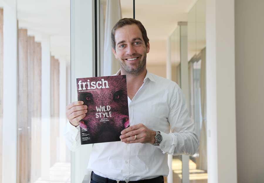 Auszeichnung für Kröswang Magazin Manfred Kröswang mit Kundenmagazin