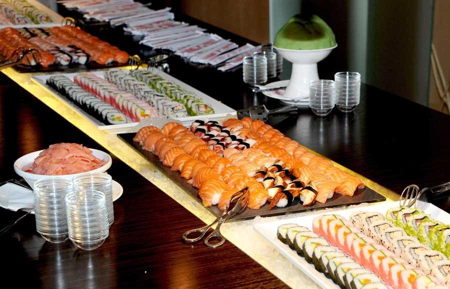 Linsberg Asia feierte achtjähriges Bestehen Fusion Night Buffet