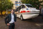 Österreichs erster Amphibien-Bus rollt durch Salzburg
