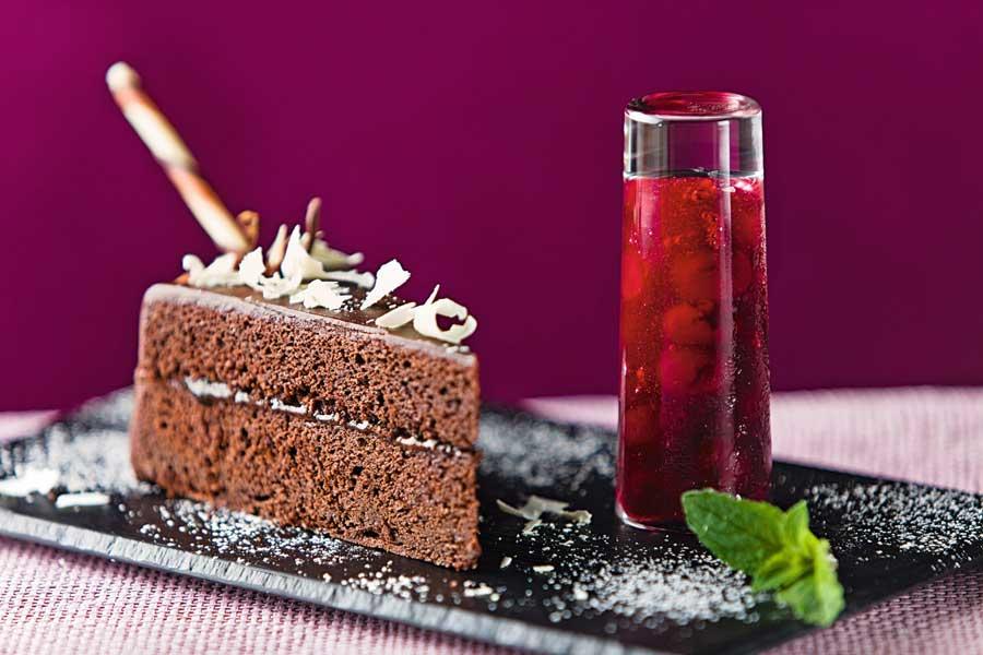 Festliche Dessertideen Eis Backwaren Froneri Sachtertorte