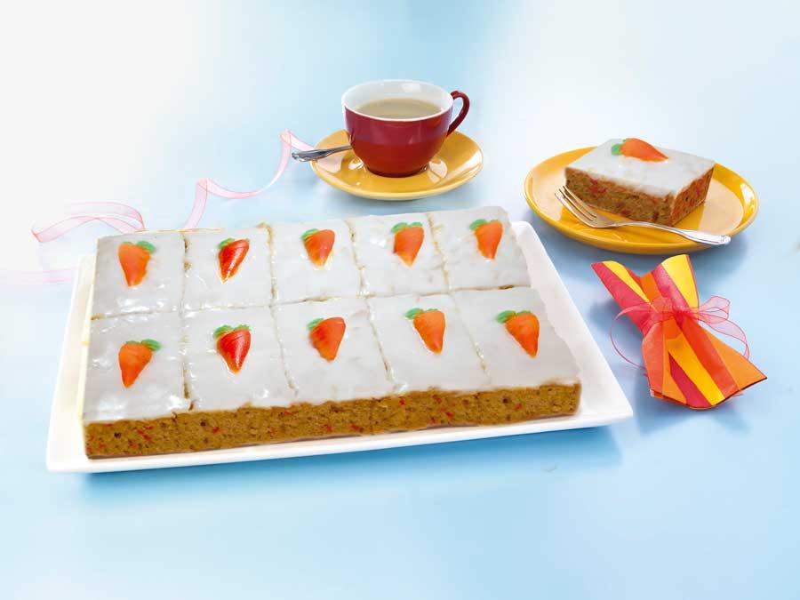 Ein ganz besonderer Blickfang ist die Rübli-Schnitte mit augenfälligen Zucker-Dekorauflegern in Karottenform.