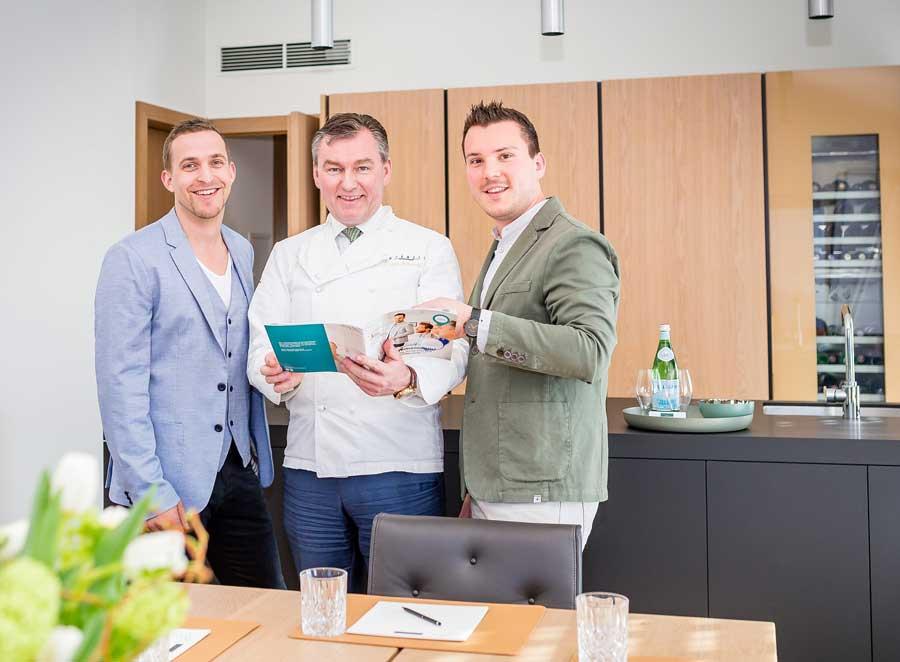 Plattform für Locationsuche Niederösterreich Neuer Lukas Hasenauer (l.), Gründer der Plattform, Haubenkoch Toni Mörwald und Dominik Scherz, Geschäftsführer meinelocation.at