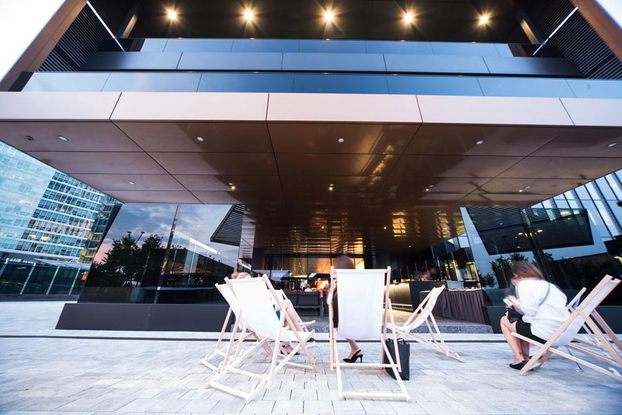 cooler start ins wochenende auf der flow terrasse gastro portal. Black Bedroom Furniture Sets. Home Design Ideas