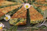 Köstliches aus Bärlauch & Co.: Rezept für ein Wildkräuter-Omelette