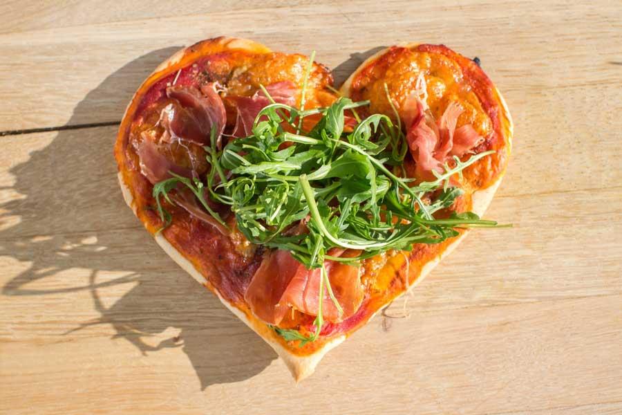 Valentinstag Noan Olivenol Pizza Herz Gastro Portal