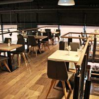 Hochwertige Materialien sorgen für eine gediegene Wohlfühl-Atmosphäre im neuen Haubis Café im Melker Löwenpark