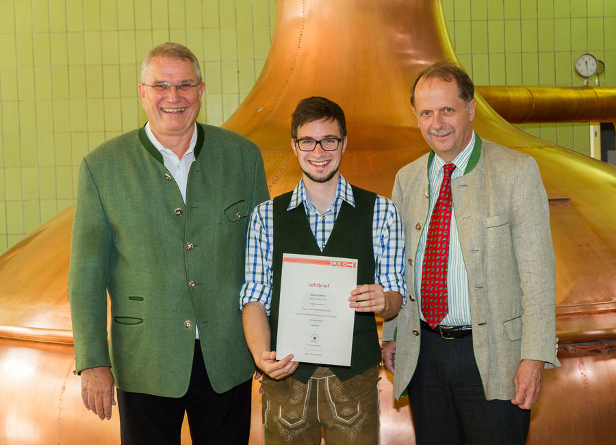 Brauerei Zipf sichert Arbeitsplätze Simon Gabriel mit Stipendium des Braumeisterbundes ausgezeichnet