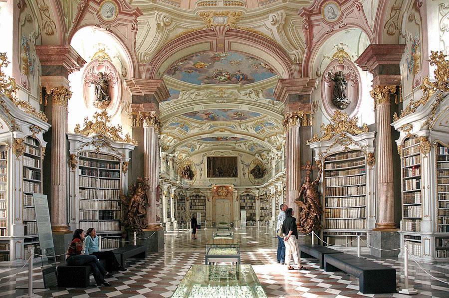 Sommerspaß in der Steiermark Stiftsbibliothek Admont
