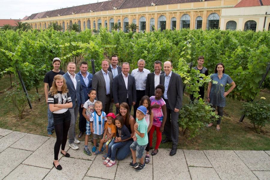 Wienwein spendet für SOS-Kinderdorf
