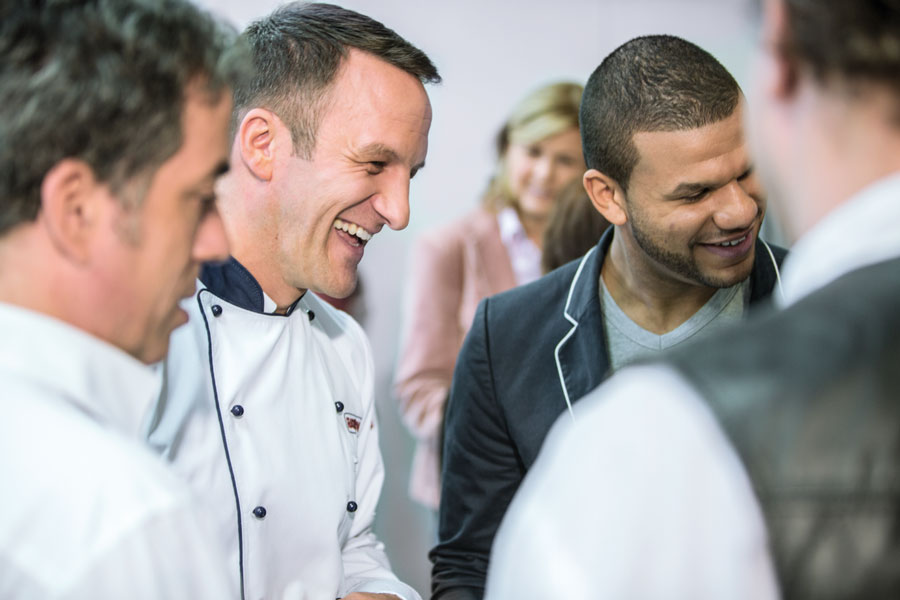 Multifunktionale Gargeräte Gastronomie GarenLive Personen Gruppe