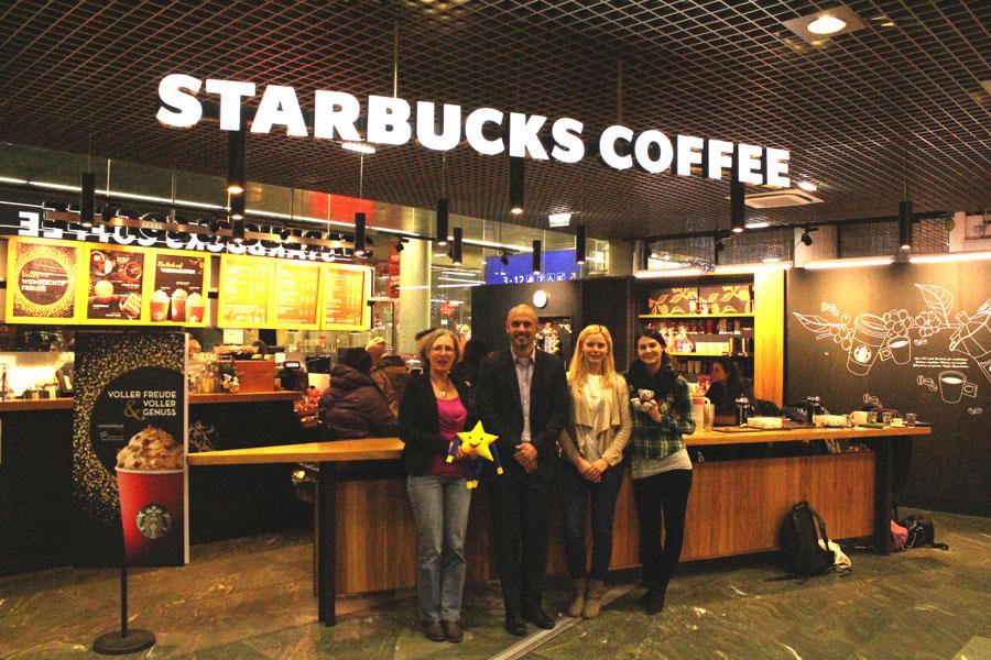 Starbucks-Partner Weihnachtsspende Starbucks RedCupCheer Charity Vienna