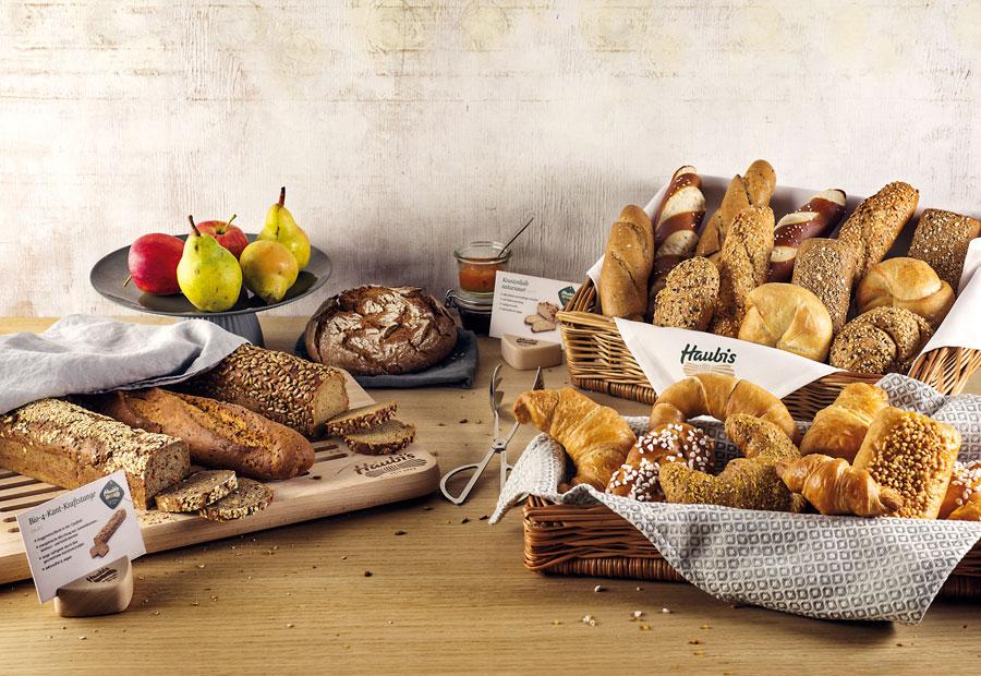 Brot und Gebäck fürs Frühstück Haubis Fruehstuecksbuffet