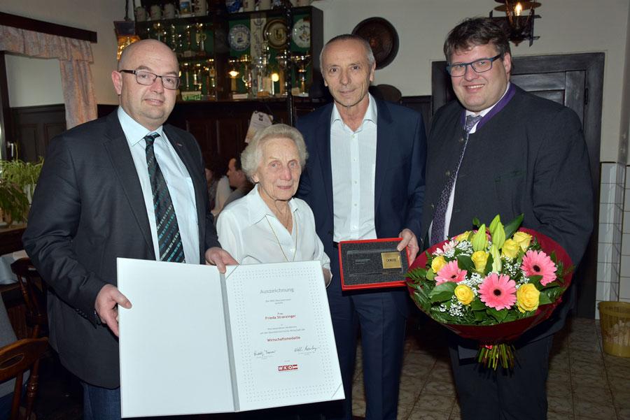 Auszeichnung für älteste Wirtin Stranzinger