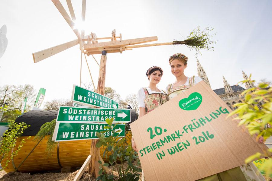 Vorbereitungen Steiermark-Frühling Dirndln mit 20 er Tafel