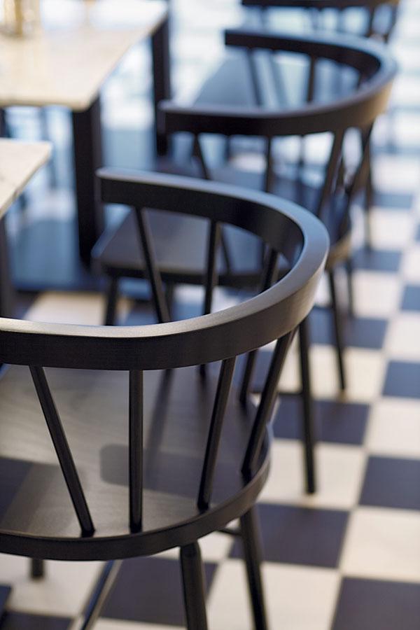GO-IN-Gastronomie-Grand-Bistro-Stuhl-0900-Holzstuhl-Buche-schwarz.jpg
