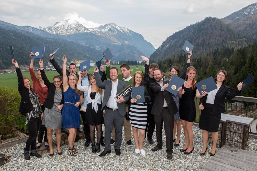 Weiterbildung Hotellerie-Führungskräfte Gruppenfoto AKA 2015 2016