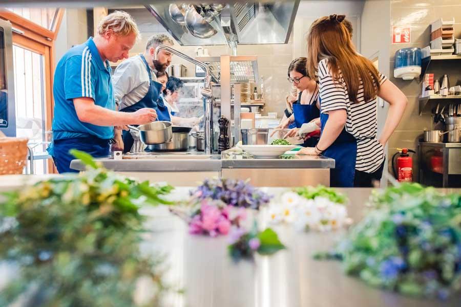 Wanderurlaub mit Weiterbildung Kochwerkstatt Ötscherbasis mariazellerland-blog.at