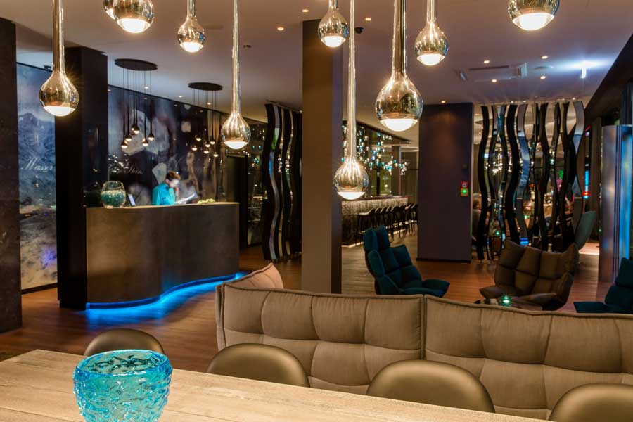 Neues Motel One in Stuttgart Motel One Stuttgart Bad Cannstatt Empfangsbereich