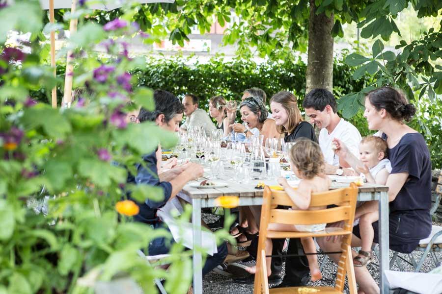 Kräuterwanderungen in Vorarlberg Kräutergarten Biohotel Schwanen Bizau