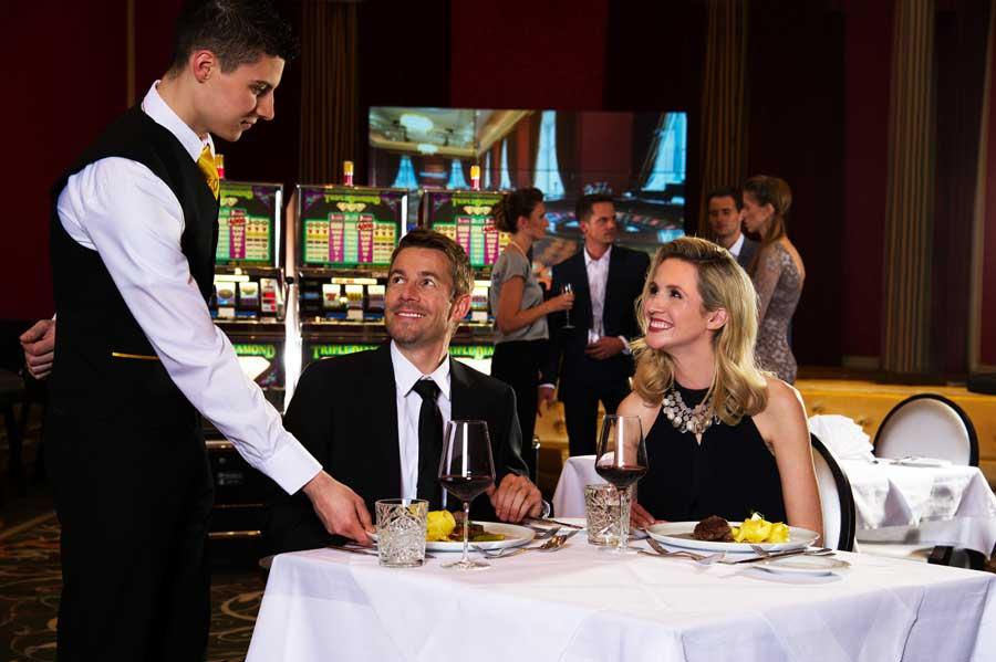 Abendessen und Spielvergnügen im Casino