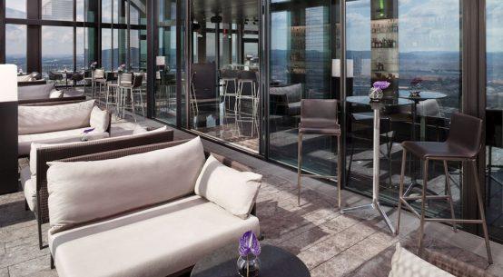 Terrasse in luftiger Höhe Saisonstart 57 Restaurant