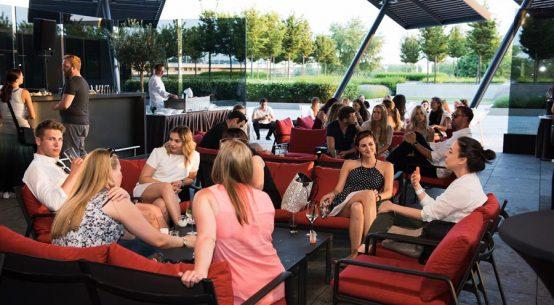 Tapas und Drinks mit Blick auf die Donauinsel flow