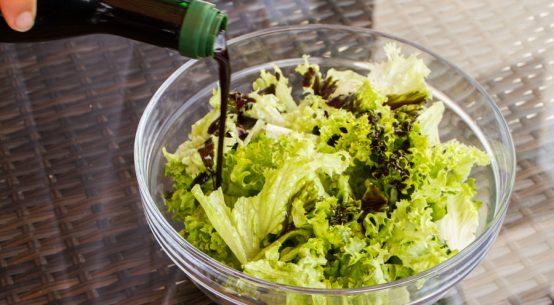 Der Weg des Salats vom Anbau bis zur Ernte