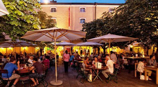 Gegrilltes Spanferkel in Salzburg genießen