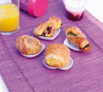 Der Bridor-Mix bringt vier Plunderteig-Desserts im Mini-Format auf den Tisch.