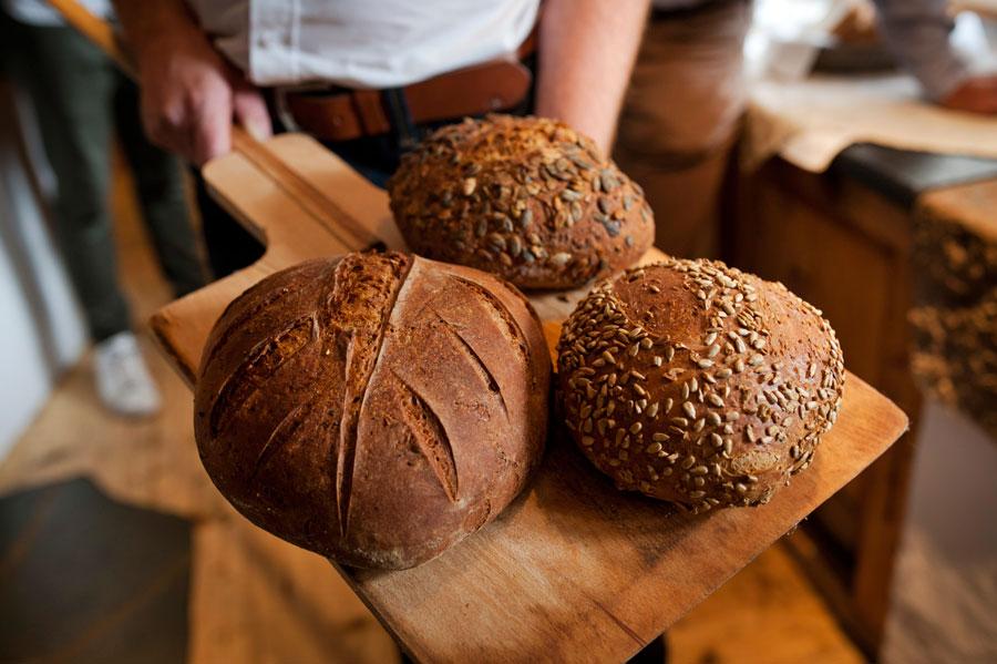Brote aus dem Steinofen bekommen eine stärkere Kruste und dadurch mehr Aroma.