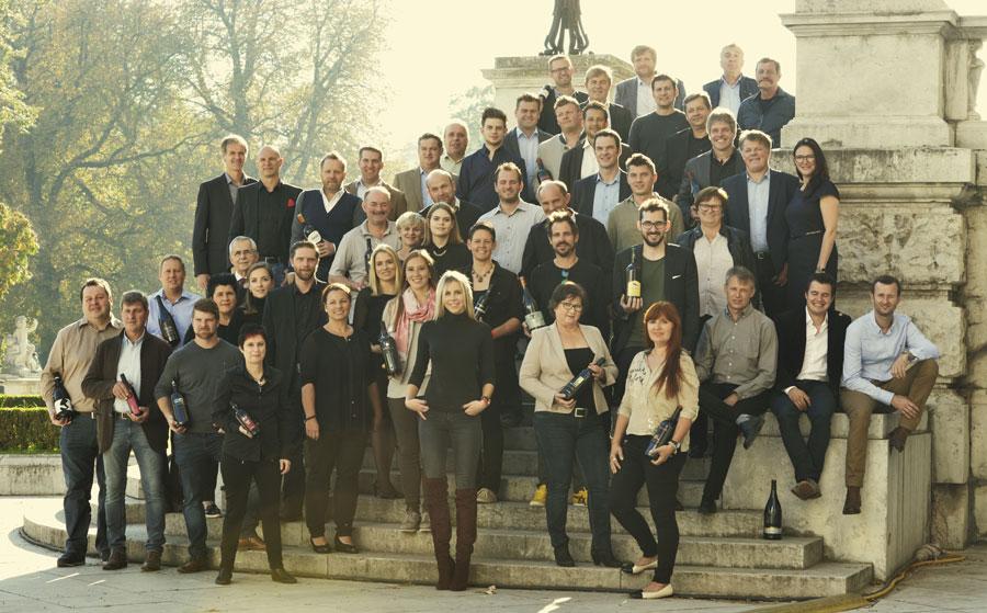 """Rund 25 Vereinsmitglieder produzierten 1992 erstmalig """"Rubin Carnuntum"""". Heute sind es bereits 41 Weingüter, die einen """"Rubin Carnuntum"""" in ihrem Sortiment haben."""