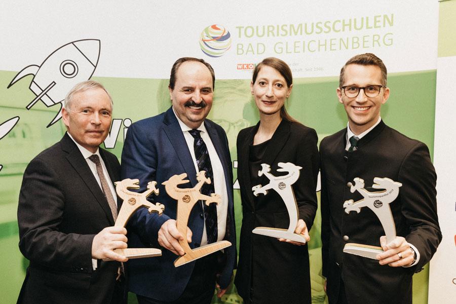 Steirischer Tourismuspanther 2019 : Die Preisträger: Christian Purrer (Energie Steiermark), Johann Lafer, Melanie Franke (Rogner Bad Blumau) und Philip Borckenstein-Quirini (Therme Loipersdorf)