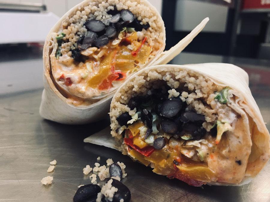 Neben den bekannten drei Standard-Wraps aus dem Food-Truck soll es im Lokal einen vollwertigen Barbetrieb und eine erweiterte Speisekarte geben.