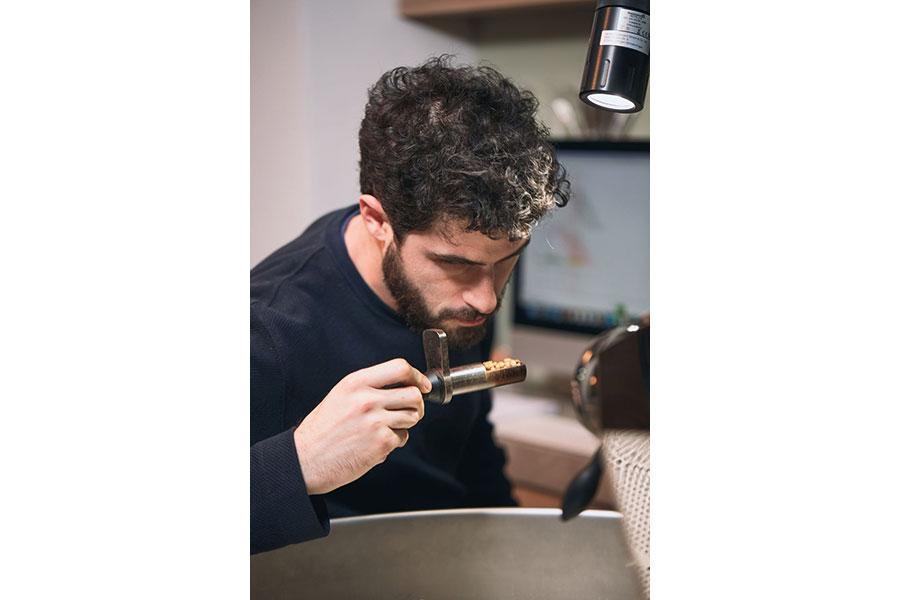 Philip Feyer eröffnet Kaffeerösterei