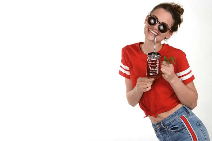 alkoholfreie bio getränke Die Brooklyn-Serie kann in eigenen Gläsern im Vintage-Stil ausgeschenkt werden Bild: Grapos