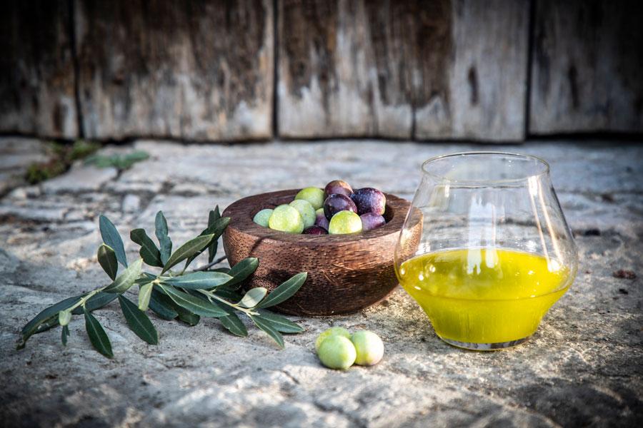 Je jünger, desto intensiver ist der Geschmack von Olivenöl.
