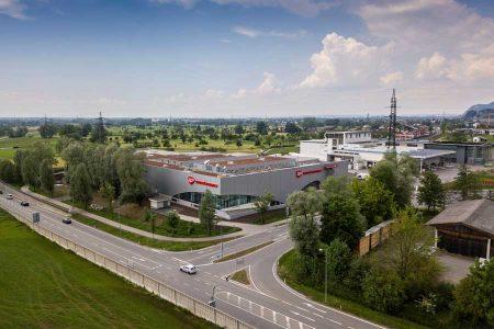 transgourmet-covid-19-teststrasse Am Transgourmet-Standort in Schwarzach können Kunden jetzt auch Coronatests durchführen lassen.