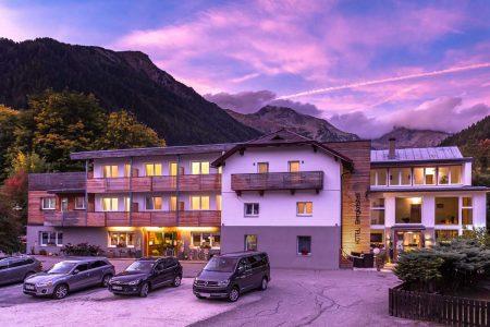 Positive ÖHV-Bilanz Vor einer Woche sind in den heimischen Hotels nach langer Pause erstmals wieder die Lichter angegangen – bis dato ohne größere Probleme.