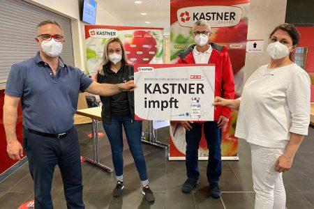 Kastner impft alle Mitarbeiter KR Christof Kastner, Christina Draxler MA, Franz Breinhölder und Dr. Biserka Dangl (v. l.) freuen sich über den reibungslosen Ablauf der Impfaktion.