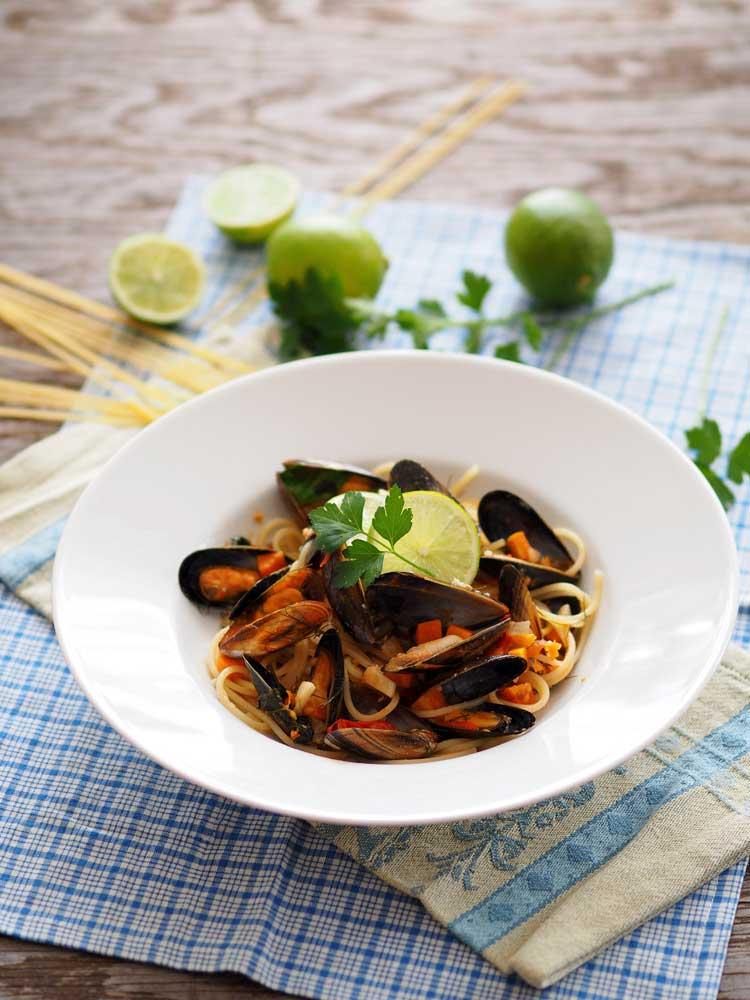 Sommerliche Pasta mit Muscheln Rezept